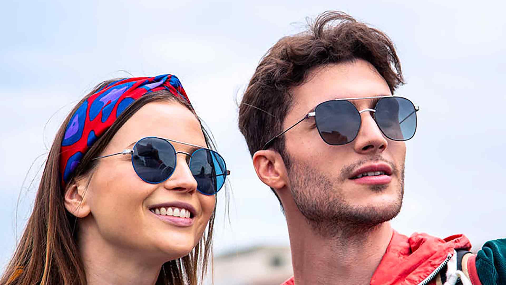 Tester profumi, profumi e occhiali da sole